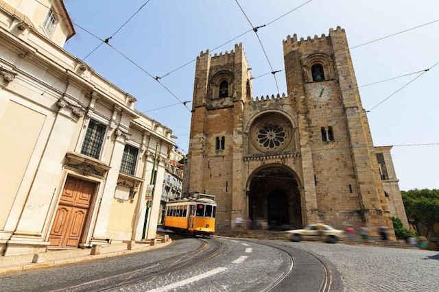 Excursão de elétrico pelas colinas de Lisboa