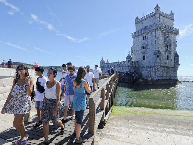 Como achar passagens em promoção para Portugal