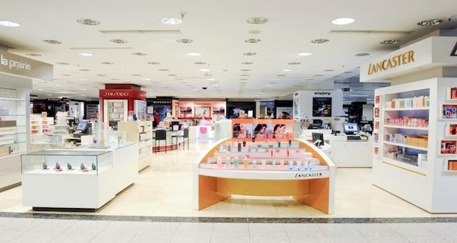 Perfumes na Loja de departamentos em Lisboa