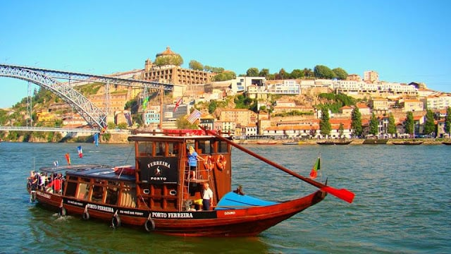 Onde fazer passeios românticos em Porto