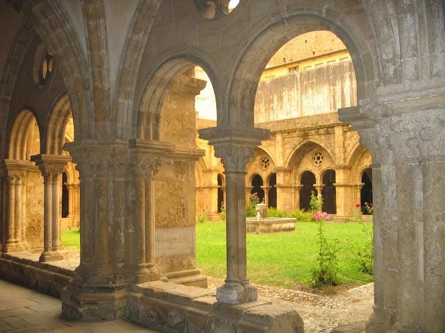 Interior Sé Velha de Coimbra