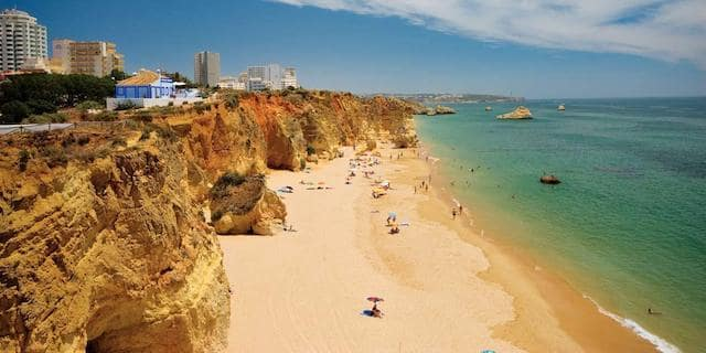 Vista da Praia da Rocha no Algarve