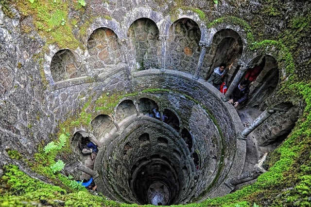Poço iniciático da Quinta da Regaleira em Sintra