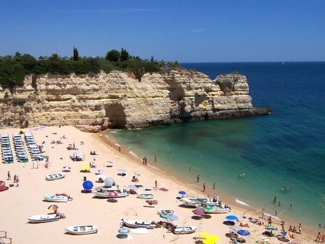Praia de Armação da Pêra no Algarve