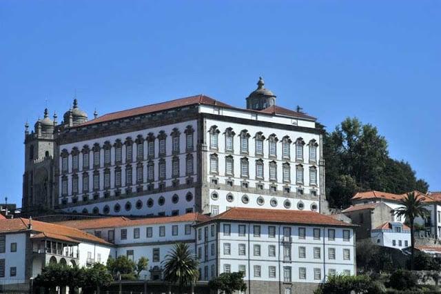 Fachada do Paço Episcopal do Porto