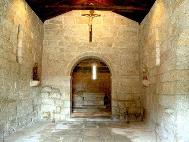 Interior da igreja de São Miguel