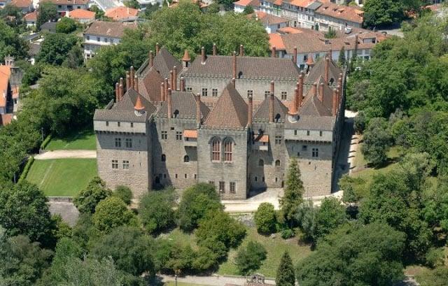 Vista aérea do Paço dos Duques de Bragança