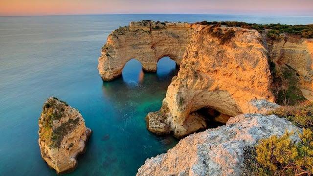 Praia da Marinha no Algarve