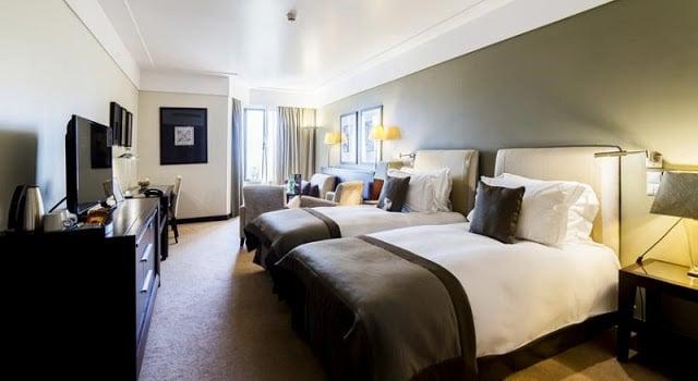 Hotel Crowne Plaza - quarto