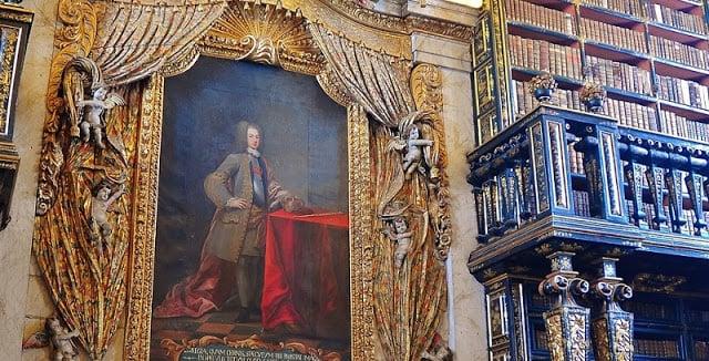 Retrato de D. João V na Biblioteca Joanina em Coimbra