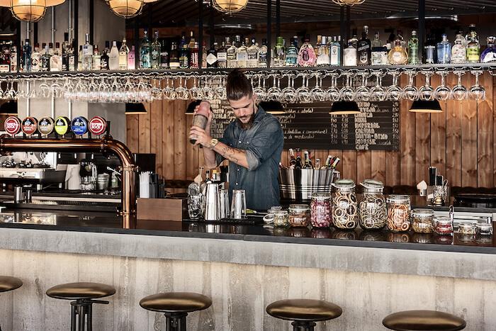 Vida noturna em Coimbra - bar