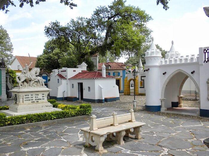 Passeio por Portugal dos Pequenitos em Coimbra