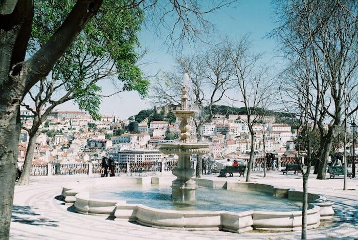 Fonte no Jardim de São Pedro de Alcântara em Lisboa