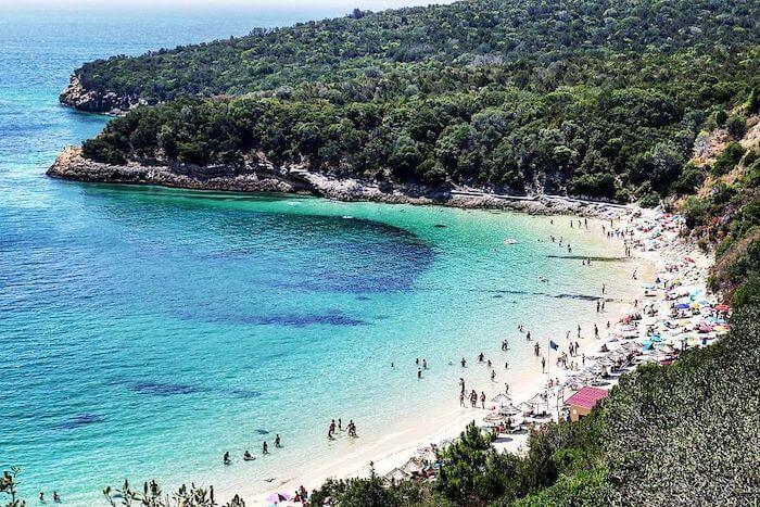 Praia de Galapinhos no verão