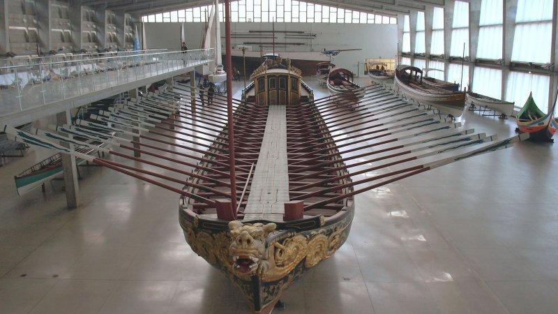 Embarcação exposta no Museu da Marinha em Lisboa