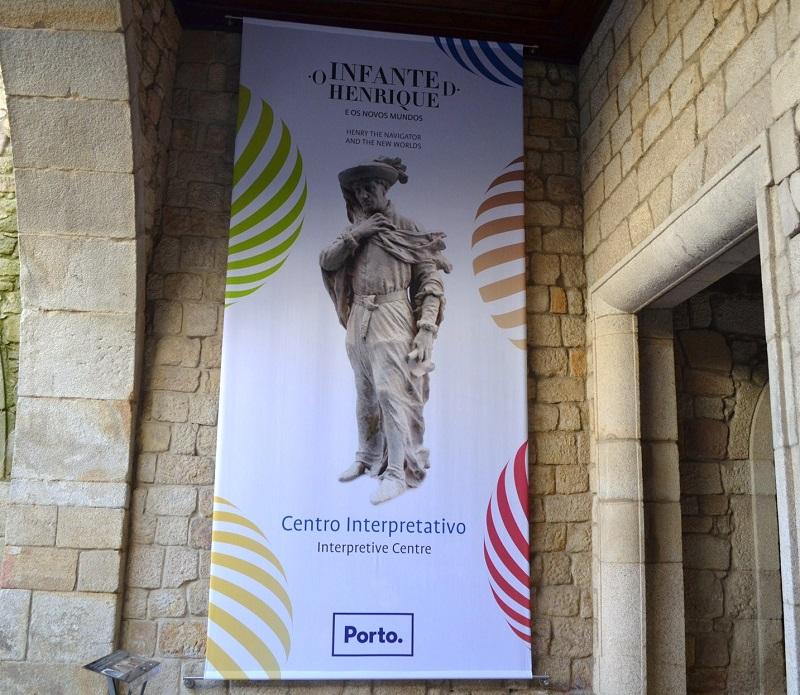 Placa sinalizando a Casa do Infante no Porto