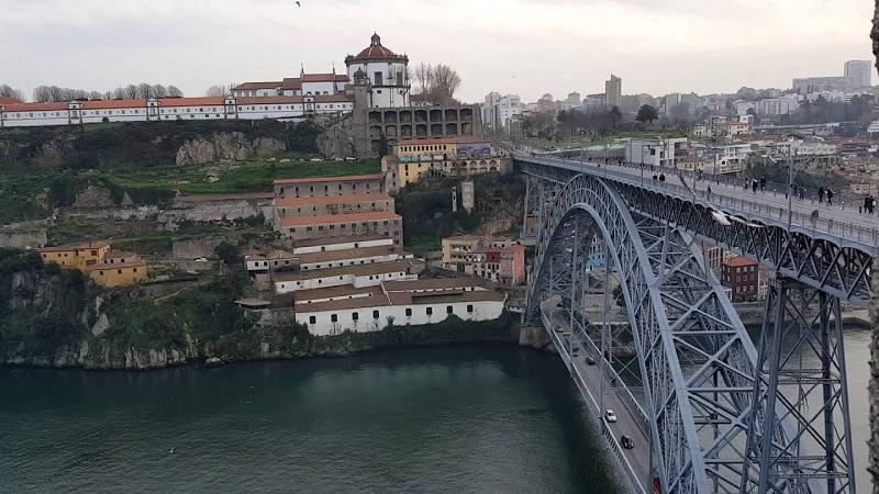 Vista das Muralhas Fernandinas no Porto
