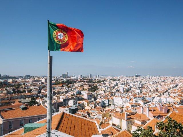 Como achar passagens aéreas muito baratas para Portugal
