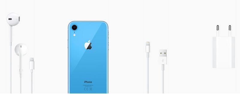 iPhone XR e acessórios que vêm na caixa