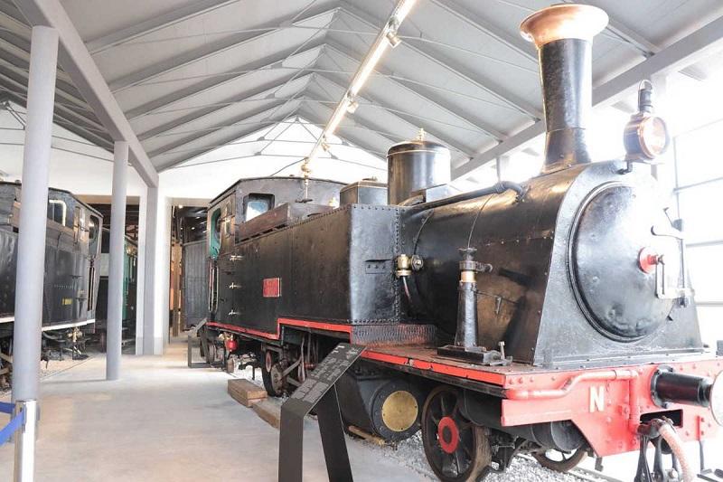 Máquina no Museu Nacional Ferroviário de Bragança