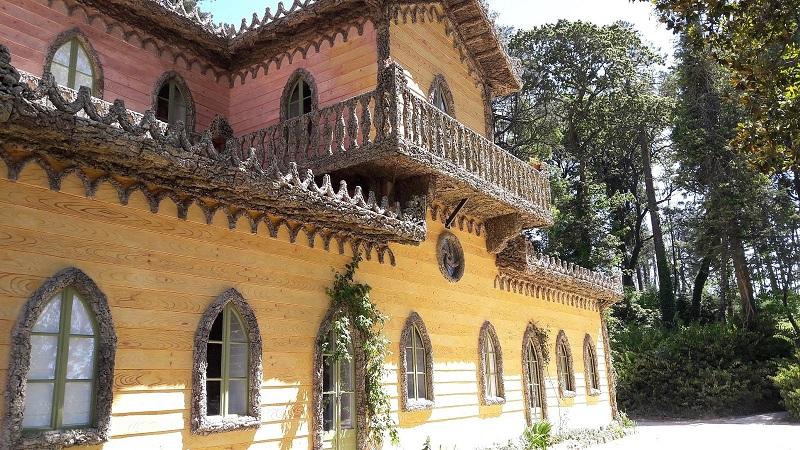 Varanda do Chalet da Condessa D'Edla em Sintra