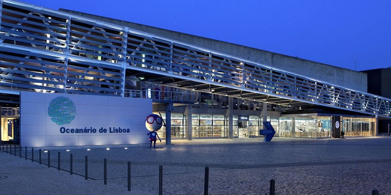 Oceanário de Lisboa de noite